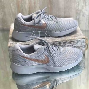 Nike Tanjun Wolf Grey WMNS AUTHENTIC
